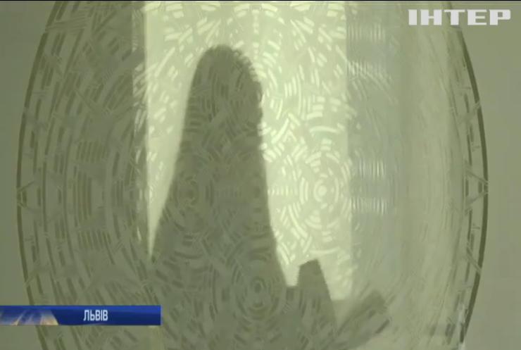 Львівська художниця Олена Турянська відновлює давнє українське мистецтво