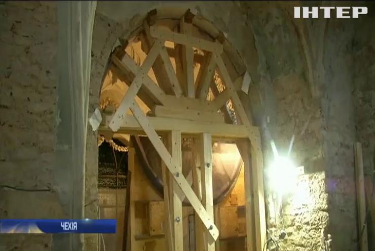 Кістяну каплицю у Чехії заборонять фотографувати