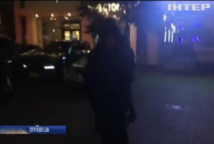 """""""Сварка через купівлю авто"""": поліція розшукує винуватців стрілянини у ресторані"""