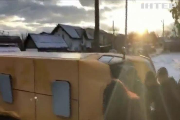 ДТП на Київщині: Porsche зіткнувся з маршруткою