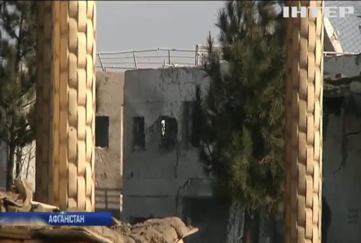 В Афганістані підірвали дві автівки біля бази американців