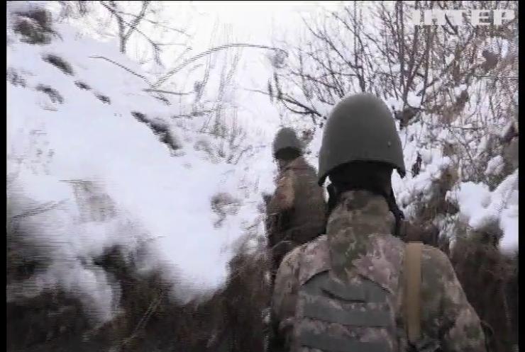 Війна на Донбасі: бойовики поранили двох українських  військових