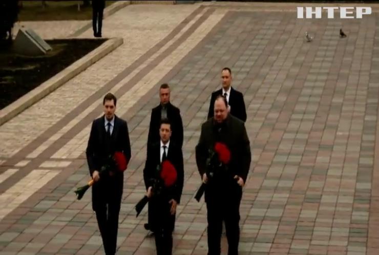 Президент поклав квіти до пам'ятника Тараса Шевченка та Михайла Грушевського
