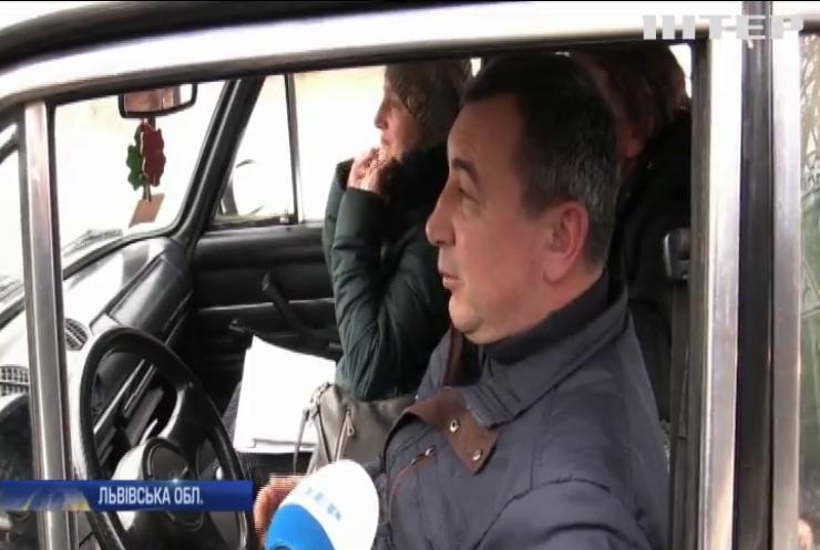 Шахтарі перекрили міжнародну автотрасу: що вимагають