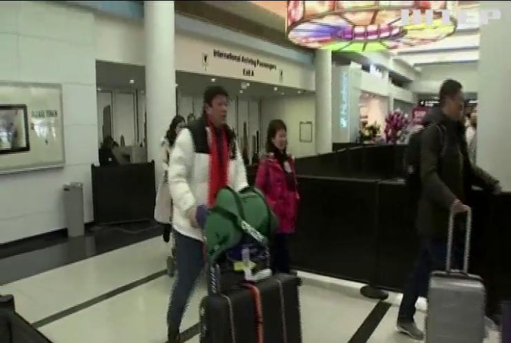 Авіаперевізники масово скасовують рейси до Китаю