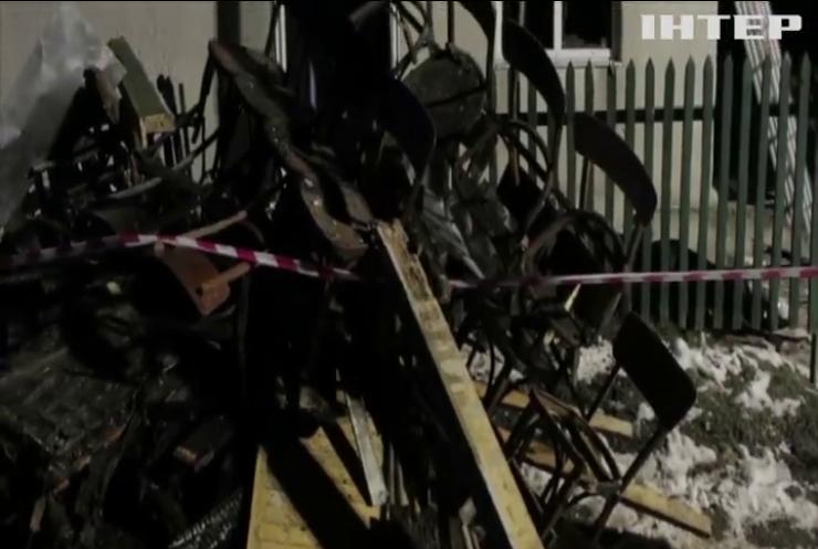 Шахраї обдурили мати постраждалих від вибуху дітей