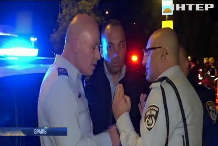 В Єрусалимі автівка в'їхала у групу військових