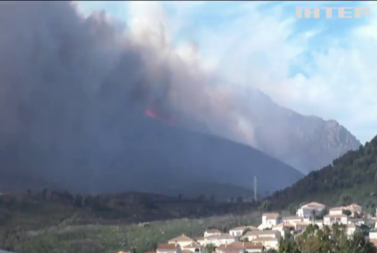 На Корсиці вирують лісові пожежі