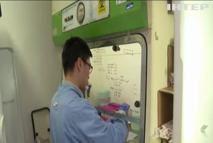 Китайський коронавірус: смертність сягнула рекордних показників
