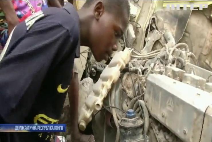 Фатальна ДТП у Конго: вантажівка врізалася у легкові автомобілі