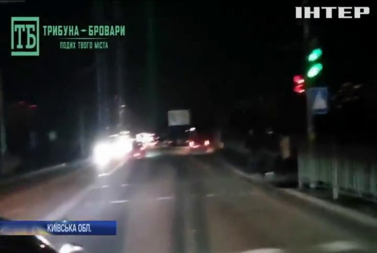 Під Києвом поліцейський на авто збив двох пішоходів