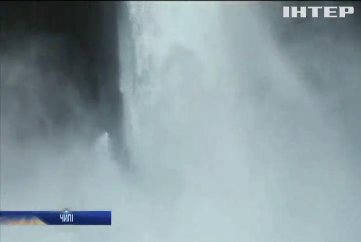 Американський каякер підкорив 40-метровий водоспад в Чилі