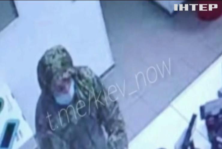 """У Києві пограбували відділення """"Нової Пошти"""""""