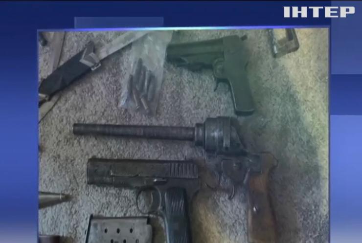 СБУ блокувала підпільне виготовлення і продаж зброї у різних регіонах України