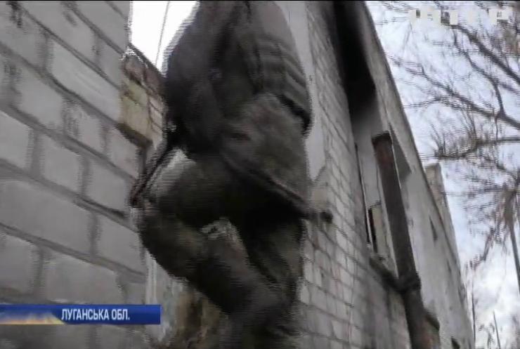 На околицях Кримського не припиняються ворожі обстріли