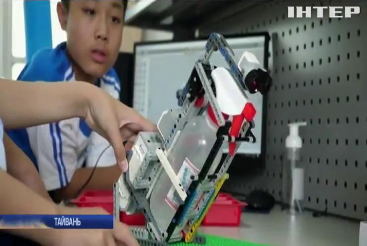 Тайванські школярі на уроці робототехніки створили зброю проти коронавіруса