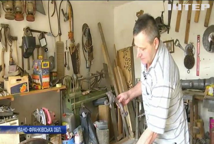 На Прикарпатті колишній водій виготовляє старовинні гармати