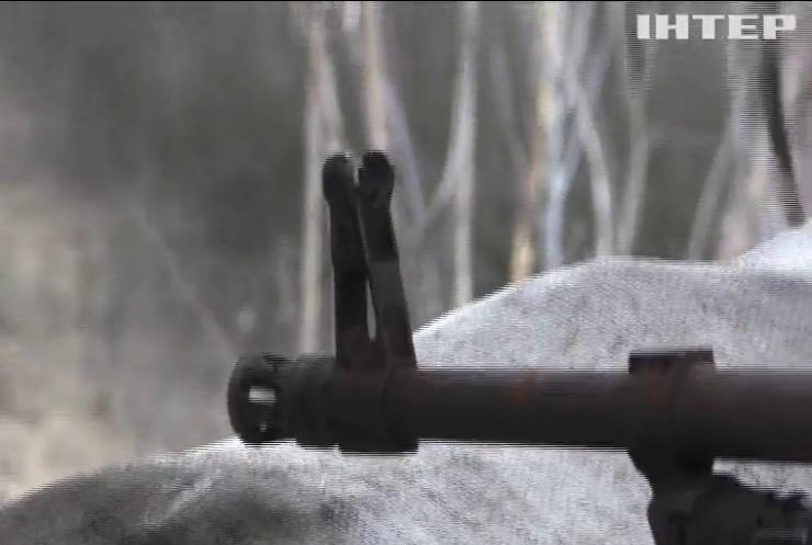На Донбасі поранено українських військовослужбовців