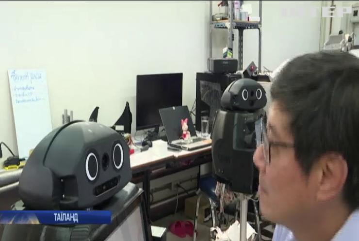 В університеті Бангкока створили медичних роботів