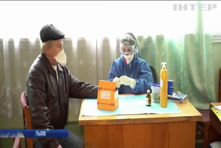 У Львові людей масово тестують на коронавірус