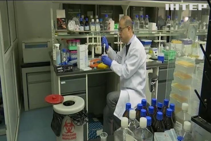 У Китаї дозволили випробування на людях вакцини від коронавірусу