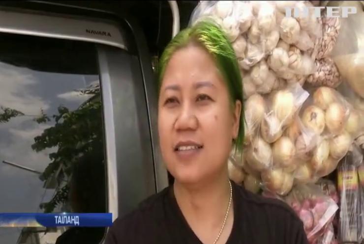 Назад у минуле: в Таїланді набувають популярності крамниці на колесах