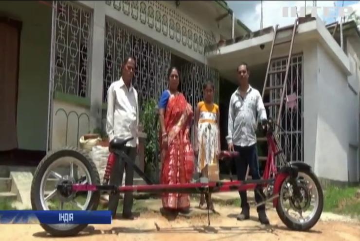 В Індії механік створив антикоронавірусний велосипед