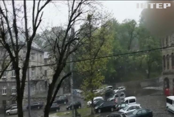 На західну Україну впав травневий сніг