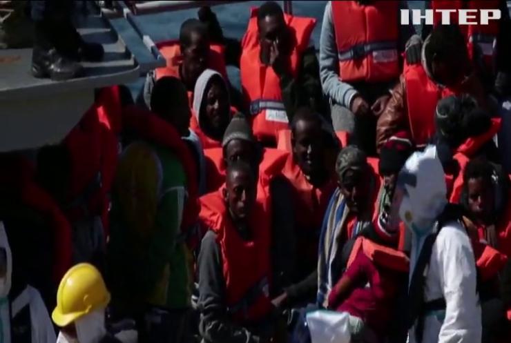 На берег Сицилії висадились сотні нелегалів