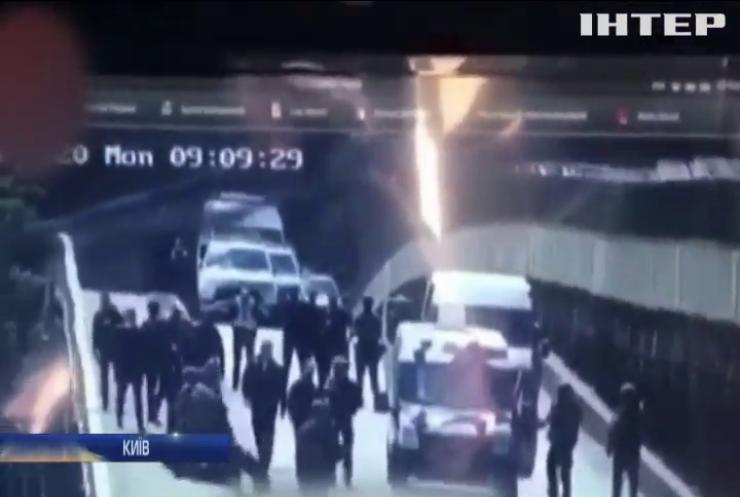 Вибухове дежавю: замінований міст Метро заблокував столицю