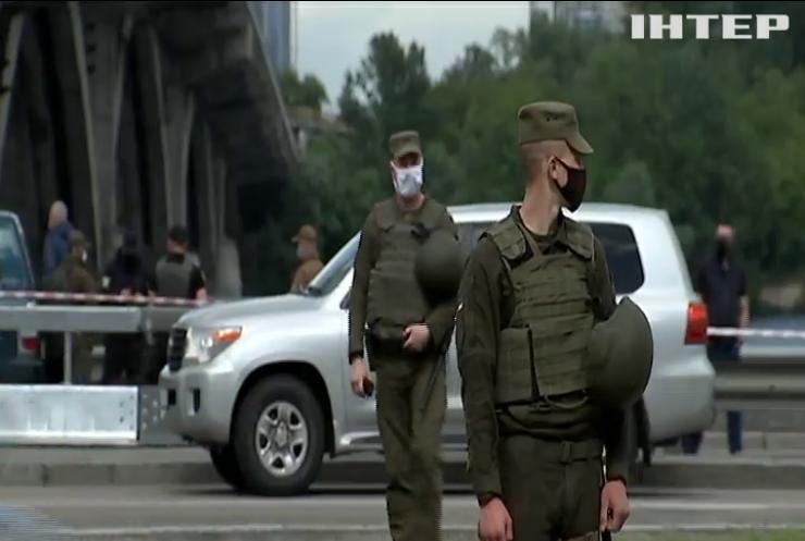 Псевдомінерові мосту Метро в Києві повідомили про підозру