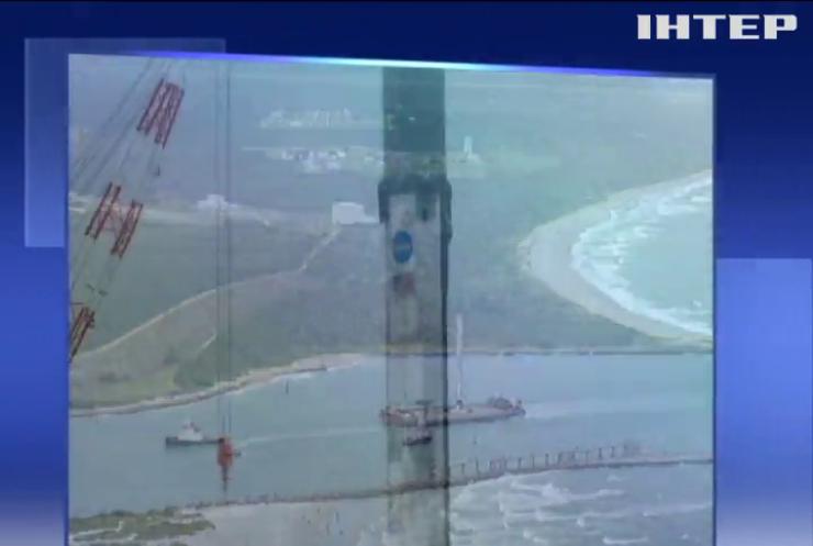 Ракета Falcon 9 повернулася на космодром після морського приземлення