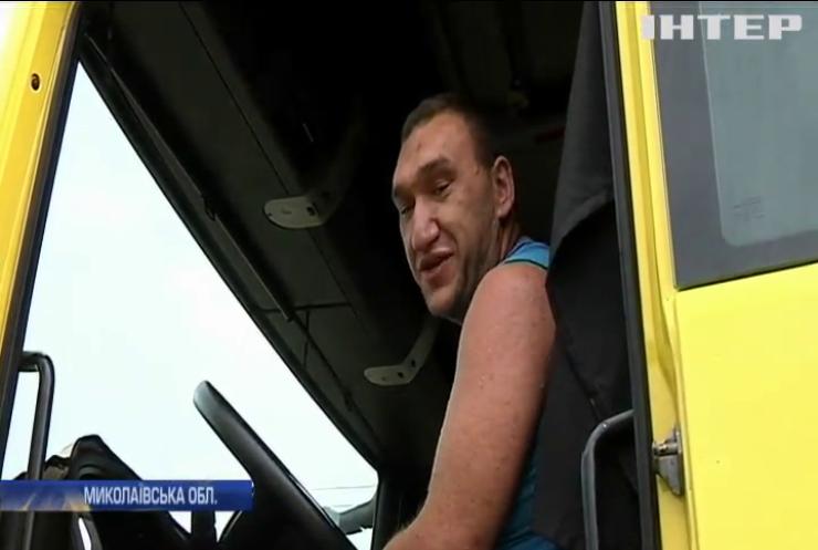 Жителі Миколаївщини потерпають від ваговозів на дорогах