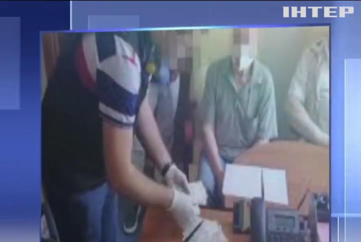 Проректора Київського університету спіймали на хабарі