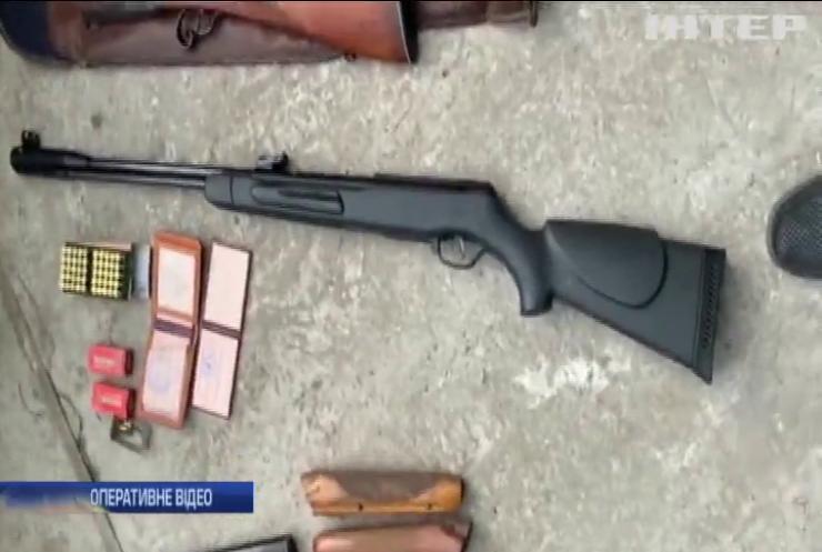 Житель Дніпра зберігав вдома зброю та патрони