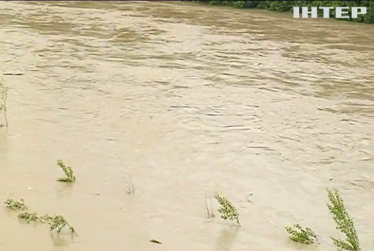 Захід України потерпає від потужних злив