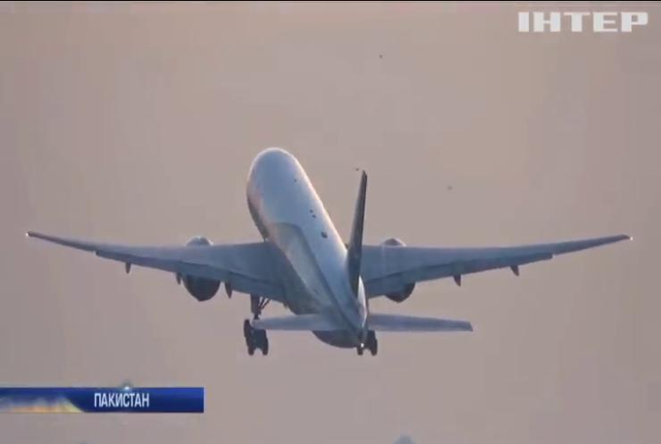 Скандал у Пакистані: третина пілотів літають без ліцензії
