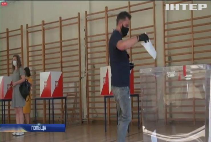 У Польщі зняли карантин із виборів