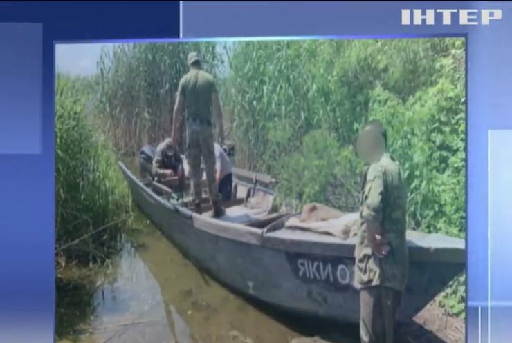 """Зупинити """"браконьєрів в законі"""": в Україні закликають заборонити промисловий вилов риби"""