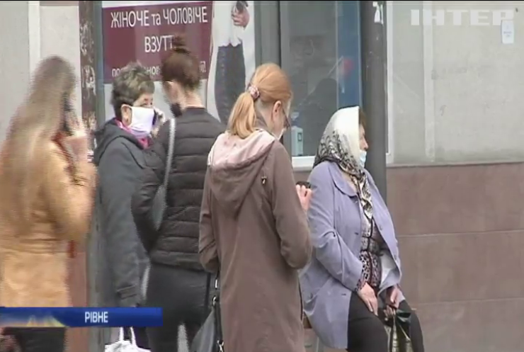 У лікарнях України фіксують нестачу місць через пандемію