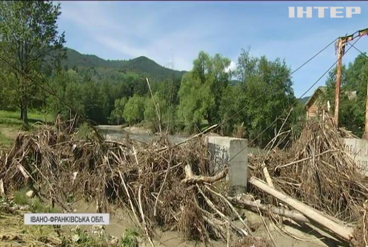 Негода в Україні: коли постраждалі почнуть отримувати обіцяні гроші від Кабміну?