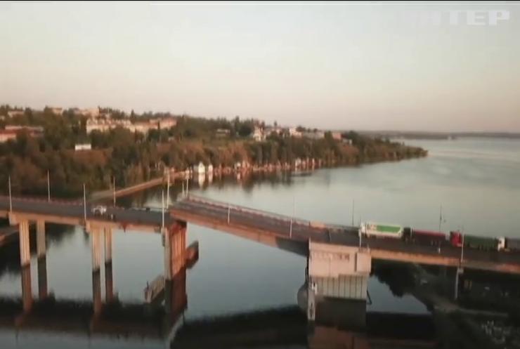 У Миколаєві сам собою розвівся міст