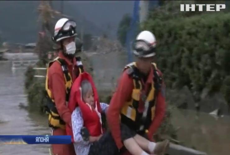 У Японії масштабні повені забрали життя 40 людей