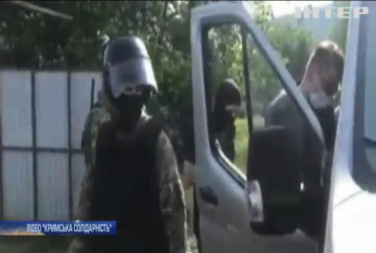 У Криму російські силовики вдерлися до осель кримських татар
