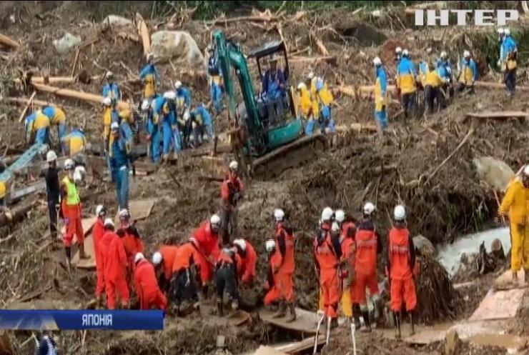 Негода у Японії: на допомогу постраждалим залучили армію