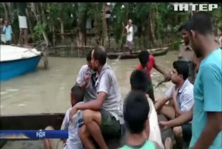 В Індії рятують від повеней мешканців джунглів