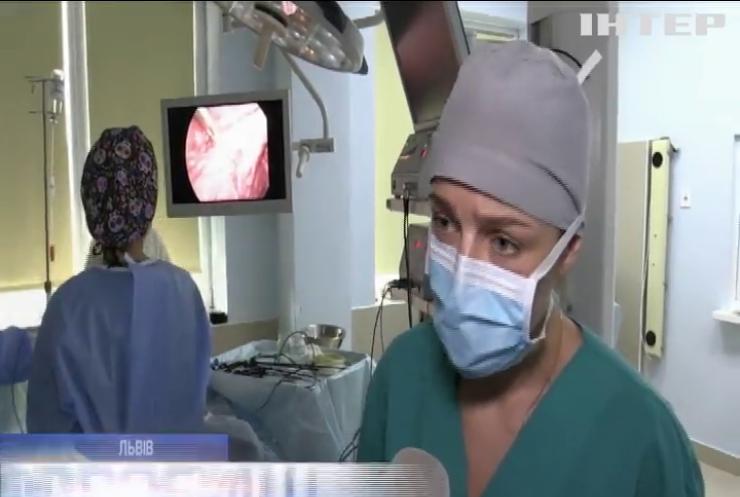 Без шрамів: як львівські медики роблять надтехнологічні хірургічні операції