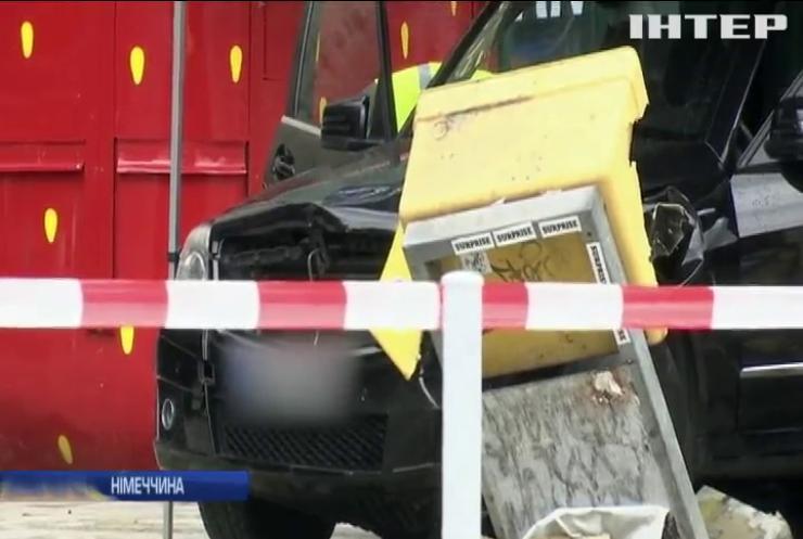 Масштабна ДТП у Берліні: автомобіль врізався у натовп