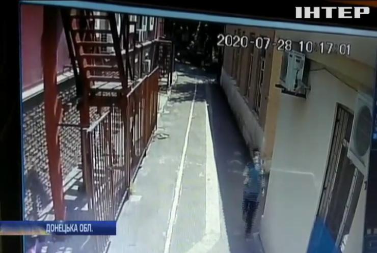 У Маріуполі чоловік із сокирою напав на синагогу