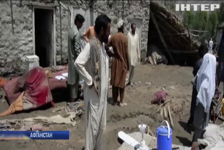 Руйнівна повінь накоїла лиха в Афганістані
